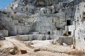 カッラーラ トスカーナ、イタリアで産業大理石野田地区砕石サイト — ストック写真