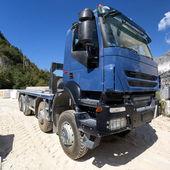 Mavi kamyonet — Stok fotoğraf