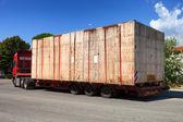 полу грузовика на дороге — Стоковое фото