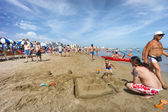 People on Cattolica beach, Emilia Romagna, Italy — Foto de Stock