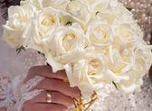 Wedding bouquet of roses — Stock Photo