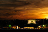 Lincoln memorial bij zonsondergang — Stockfoto