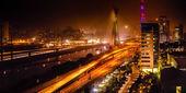 Brug bij nacht in sao paulo — Stockfoto