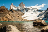 "Fitz roy and lake ""de los 3"" 02 — Stock Photo"