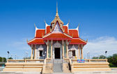 Thai temple under blue sky — Stock Photo