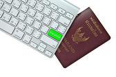 Apartamento verde botón de teclado de la computadora con pasaporte tailandés es — Foto de Stock