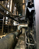 Alte gruselig, dunkel, verfällt, destruktiv, schmutzige fabrik — Stockfoto