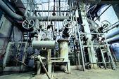 工業地帯、鋼鉄パイプラインおよびバルブ — ストック写真