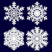Decoratieve abstracte sneeuwvlok. — Stockvector