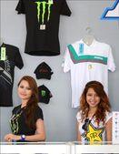 Beautiful model at shoplot during Moto GP festival. Sepang. Malaysia. — Stock Photo