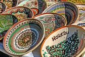 Romanian traditional ceramic plates — Stock Photo