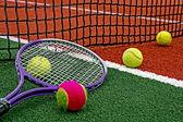 теннисные мячи & рэкет-5 — Стоковое фото