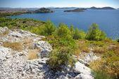 Krajobraz z gór skalistych do morza, dalmacja chorwacja — Zdjęcie stockowe