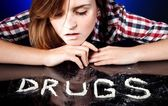 Girl with drug addiction snorting cocaine or amphetamines — Stock Photo