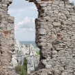 Medieval stone castle ruins window — Stock Photo
