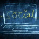 netbook bilgisayar ekranı Internet kavramı sosyal kelime ile kroki — Stok fotoğraf #28592157