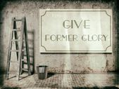 Give former glory on old building wall — Stock Photo