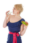 Mulher bebendo leite. isolado no fundo branco — Foto Stock