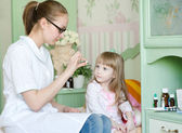 Doctor gives a drug to the child — Стоковое фото