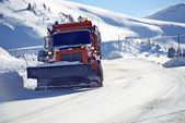 Snowplow Clearing Road — 图库照片
