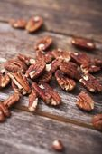 Pecans on Wood — Stock Photo