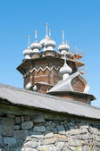 Wooden churches on island Kizhi on lake Onega, Russia — Stock Photo