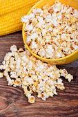 Sweet corn and popcorn — Stock Photo