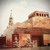 The Mausoleum of Lenin and Kremlin wall on Red Square, Moscow. Vintage retro style — Stockfoto
