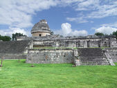 El Caracol observatory temple in Chichen Itza — Photo
