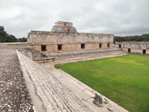 Mayan temple in Uxmal — Stock Photo