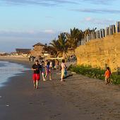 People on the Beach in Mancora, Peru — Stock Photo