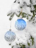 Frosty patroon op een winter vensterglas — Stockfoto