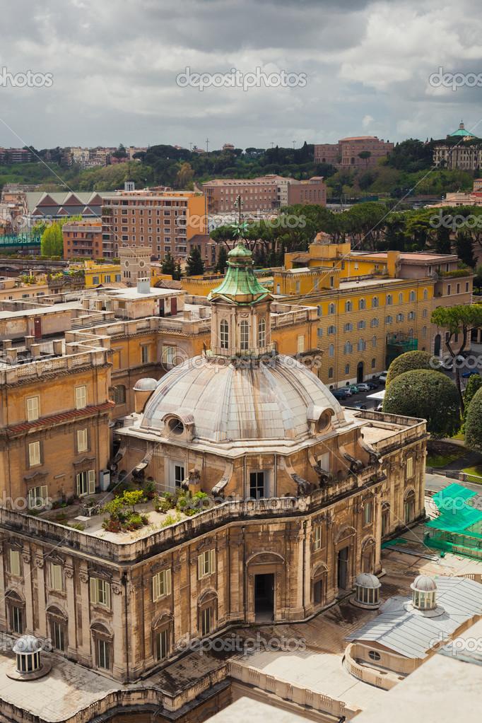 圆顶建筑在罗马