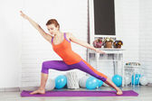 Lovely sporty woman is working out — Stock Photo