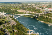 Rainbow bridge at Niagara Falls — Stock Photo