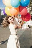Donna con palloncini — Foto Stock
