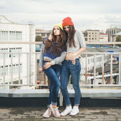 Two young hipster girl friends — Stock Photo