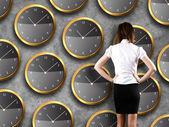 Empresario pie - concepto de estrategia de tiempo — Foto de Stock