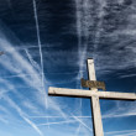 Christian Cross Against the Sky — Stock Photo