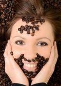 Caffè. bella ragazza nel caffè — Foto Stock