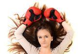 孤立在白色背景上的性感女拳击手 — 图库照片