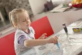Dziecko dziewczynka rysunek — Zdjęcie stockowe