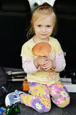 Girl with porcini mushroom — Stock Photo