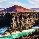 Los Hervideros, coastline in Lanzarote with waves — Stock Photo