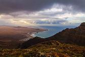 Utsikt från toppen till havet lanzarote, spanien — Stockfoto