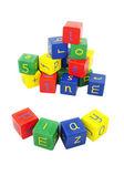 цветные блоки с буквами на белом фоне — Стоковое фото