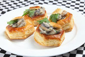 Mushroom vol-au-vent plate — Stock Photo
