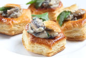 Homemade mushroom vol-au-vents — Stock Photo