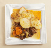 Beef stew and potatoes — Stock Photo