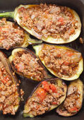 Eggplants stuffed with meat sauce — Stock Photo